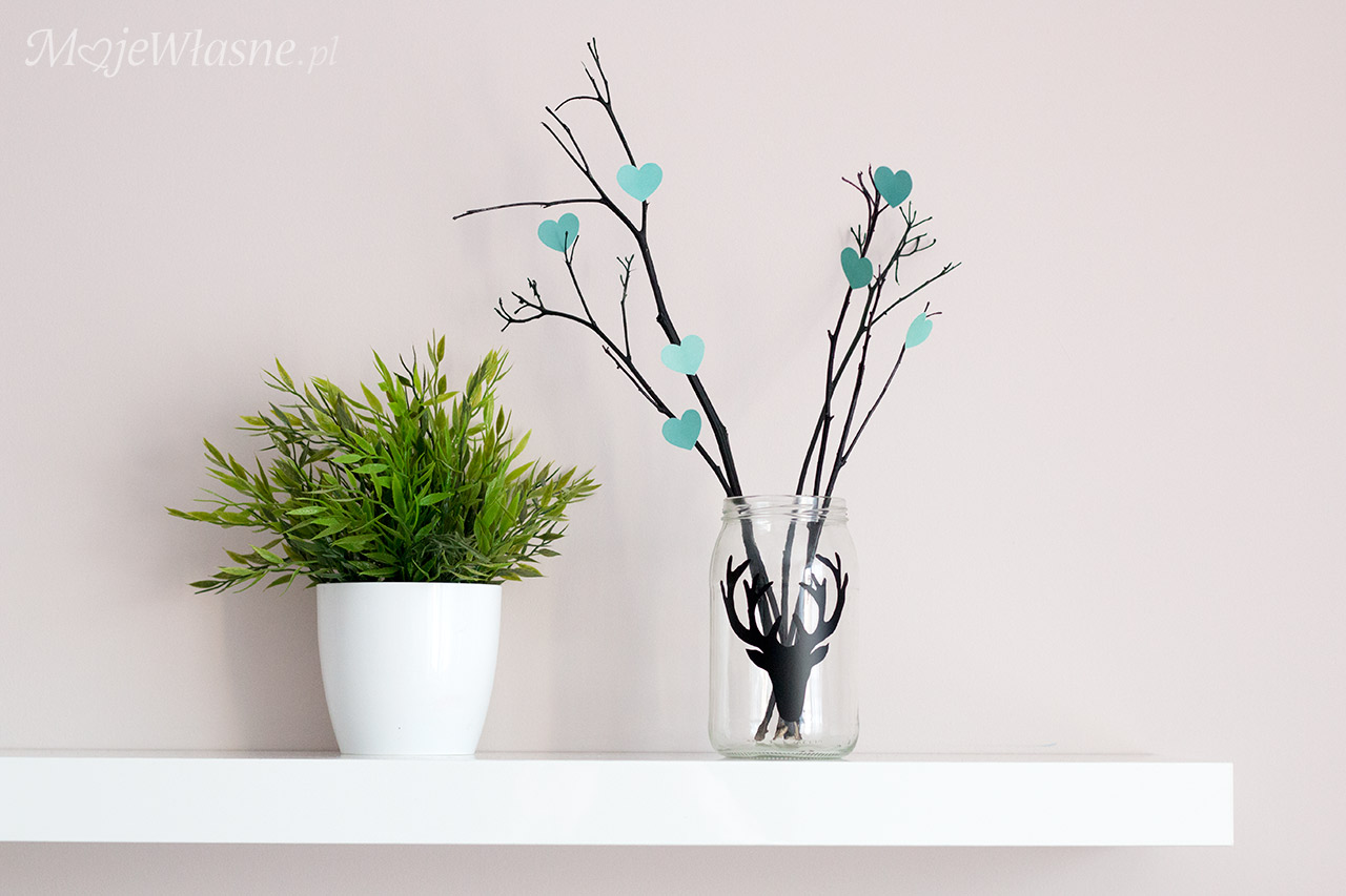 DIY Dekoracja ze słoika i gałązek na Walentynki