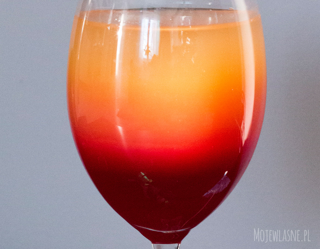 Dwukolorowy drink