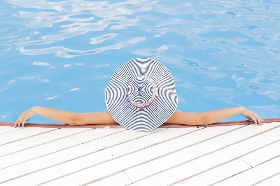 Na co zwrócić uwagę przy zakupie basenu ogrodowego?