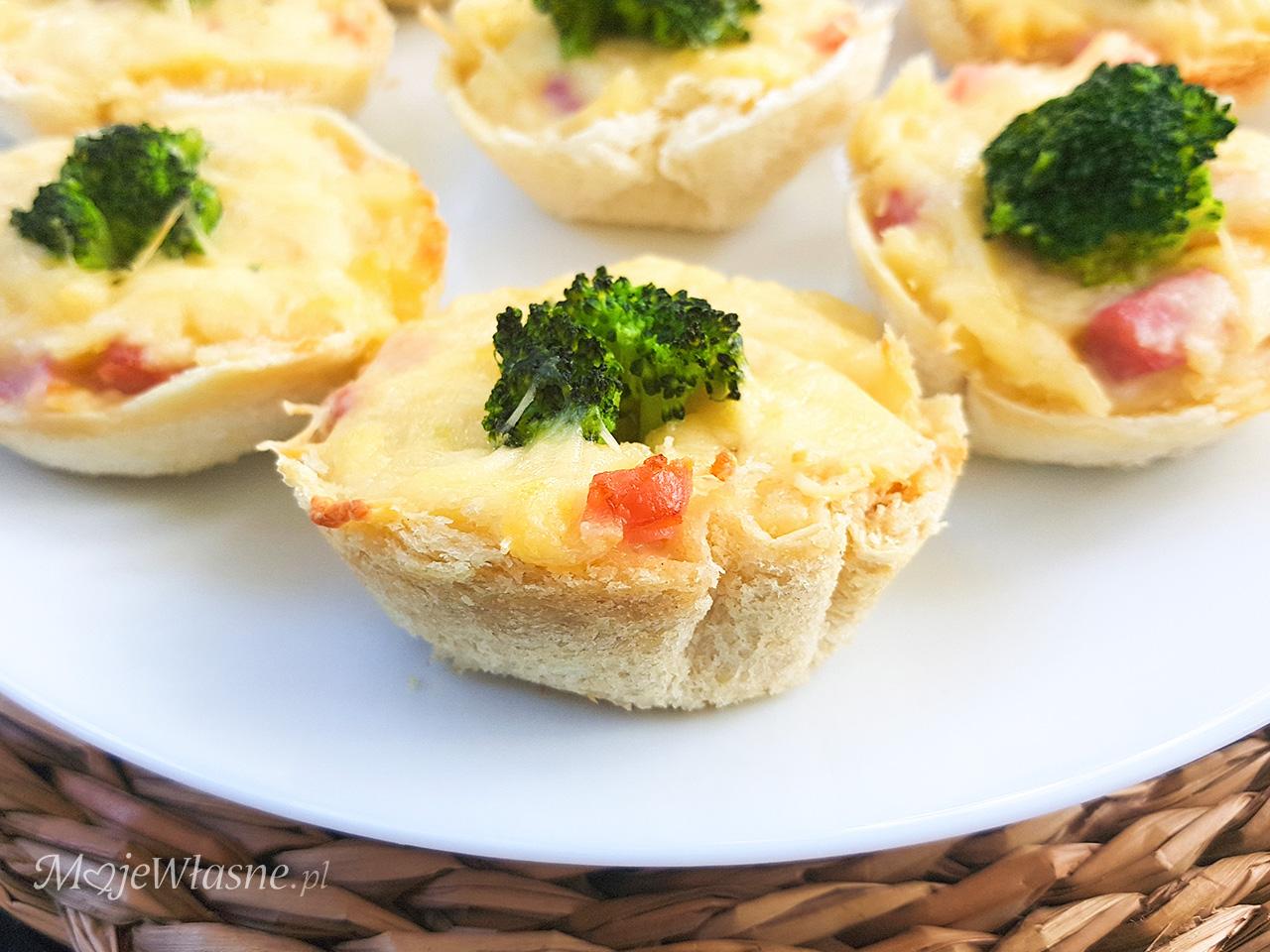 Babeczki serowe z chleba tostowego