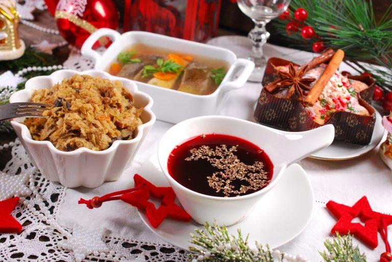 Śledzie, kapusta kiszona i karp, czyli najzdrowsze potrawy na wigilijnym stole