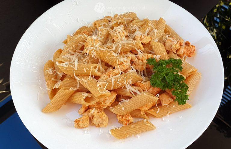 Read more about the article Makaron chilli z kurczakiem – szybki obiad