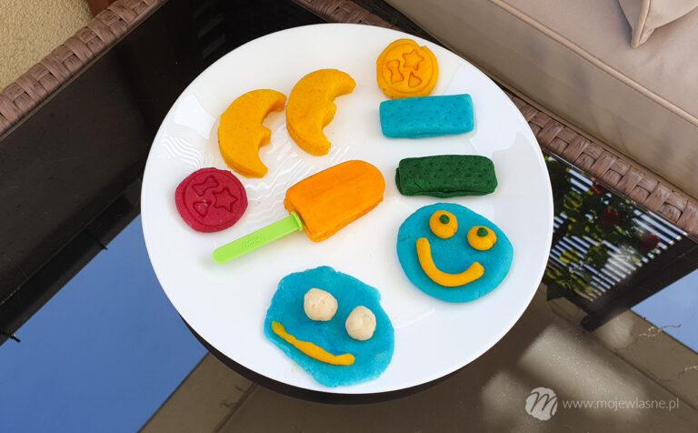 Domowa ciastolina – szybki przepis na kolorową zabawę z dzieckiem