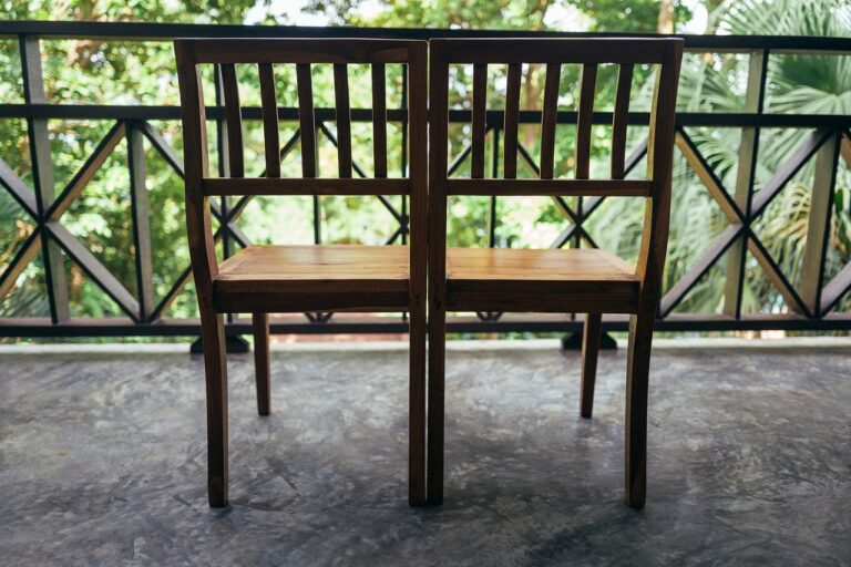 Jakie meble ogrodowe na balkon wybrać?